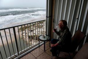 """Huracán Sally toca tierra en Alabama con """"inundaciones repentinas y catastróficas"""""""