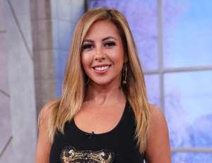 Chiquibaby dejó expuesta su belleza sin sostén y de verde en los Premios Billboard 2020 de Telemundo