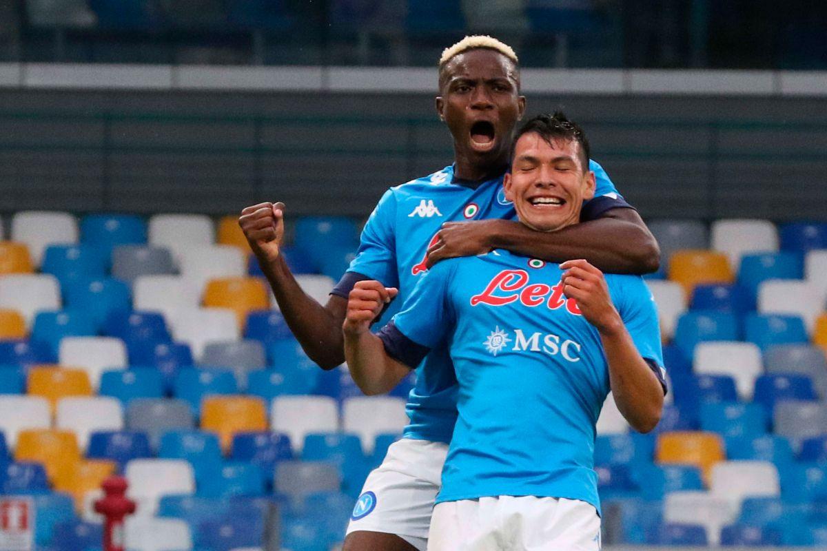 Hirving Lozano se destapó con dos tantos en el duelo contra el Genoa.
