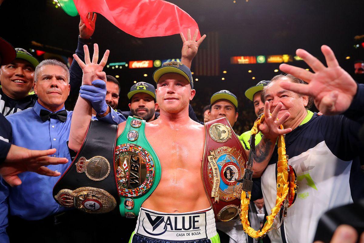Canelo celebró tras su última pelea, el 2 de noviembre de 2019.