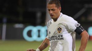 """""""Chicharito"""" reapareció en la MLS e hizo dupla con Jonathan dos Santos dos meses después de su lesión"""