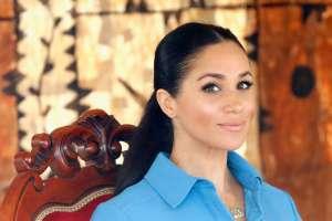 La familia real relega a un segundo plano sus felicitaciones a Meghan Markle en las redes sociales