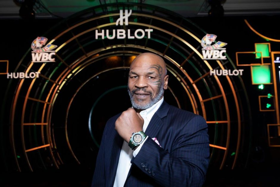 Mike Tyson luce un cuerpazo a mes y medio de su pelea contra Roy Jones Jr.