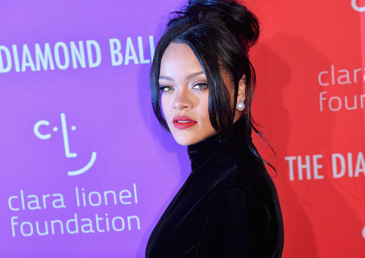 Mansión en la que Rihanna vivió en secreto podría ser tuya con todo y los muebles que ella usó