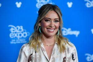 ¡Mamá por tercera vez! Hilary Duff anuncia con una tierna postal que está embarazada de nuevo