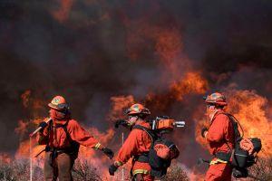 ¿Es uno de los 60,000 evacuados de Irvine por el Silverado Fire y necesita un refugio? Esta es la lista de los disponibles