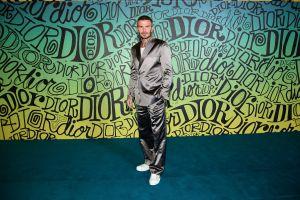 ¿ícono de la moda? Captan a David Beckham usando chanclas con calcetines