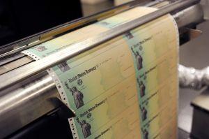 IRS enviará cartas a más de medio millón de personas en NY para que reclamen cheque de estímulo