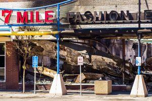 Hasta $2,000 millones de dólares podrían costar a las compañías de seguros los disturbios tras la muerte de George Floyd