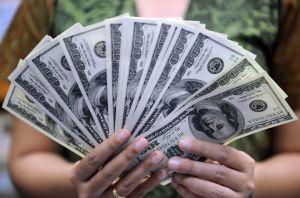 Multimillonario Charles Feeney que quería morir en la ruina ya está arruinado: se quedó con $2 millones y donó el resto