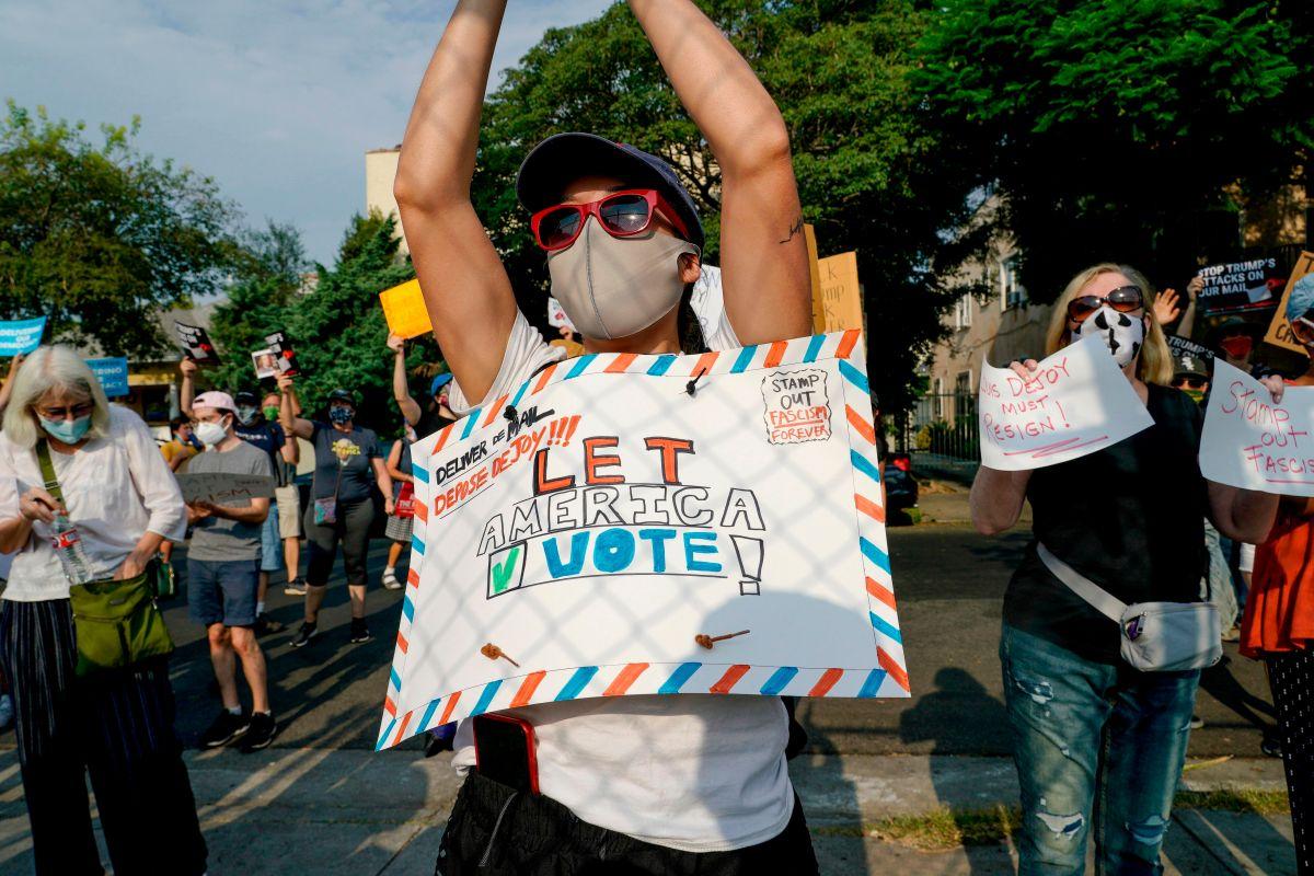 Trump incita a cometer fraude electoral con el voto por correo en Carolina del Norte