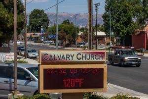 Con 121 grados, Woodland Hills alcanza el récord de calor en la historia del condado de Los Ángeles