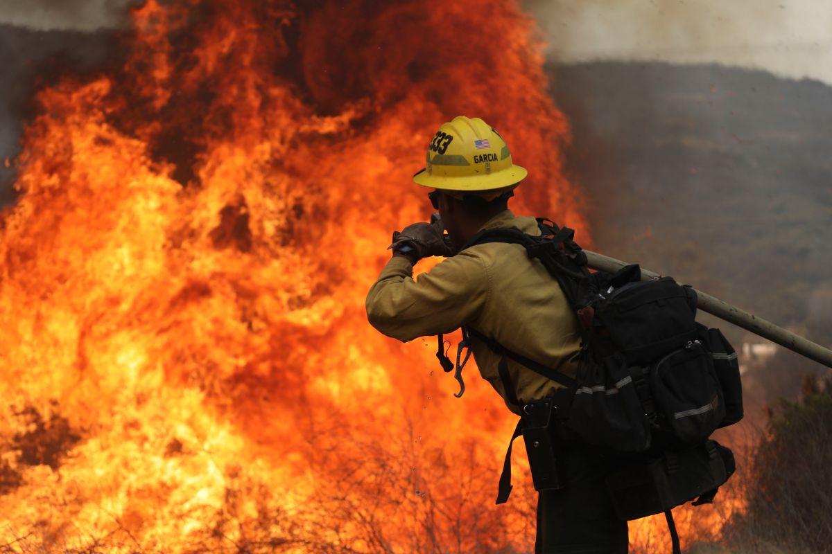 Los bomberos de California han enfrentado las peores condiciones de la historia para combatir los incendios.