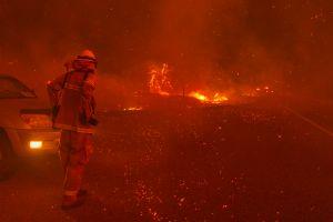 Ascienden a 20 las muertes por los incendios que asolan California