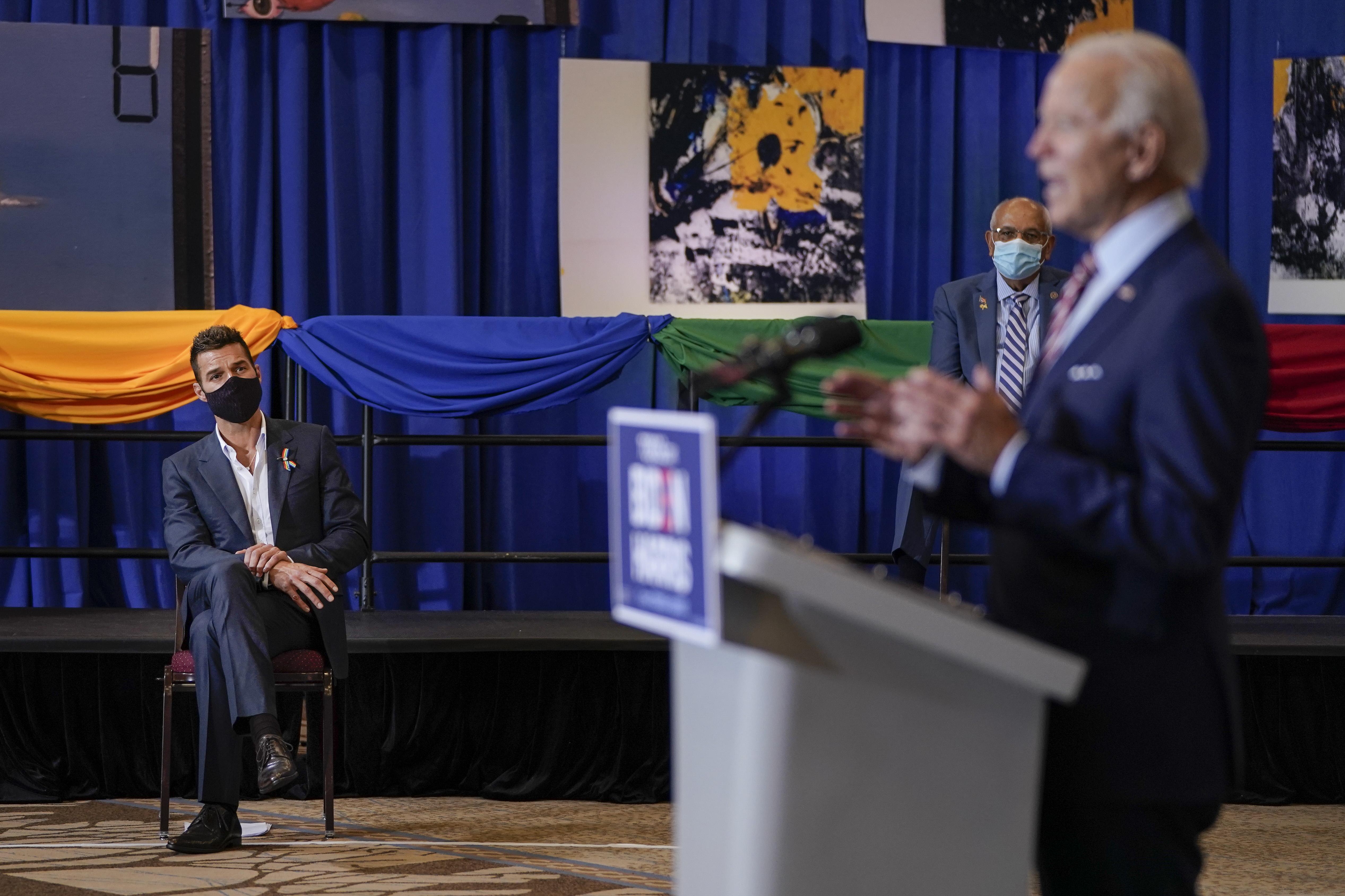 Biden se rodeó de artistas puertorriqueños en su evento.