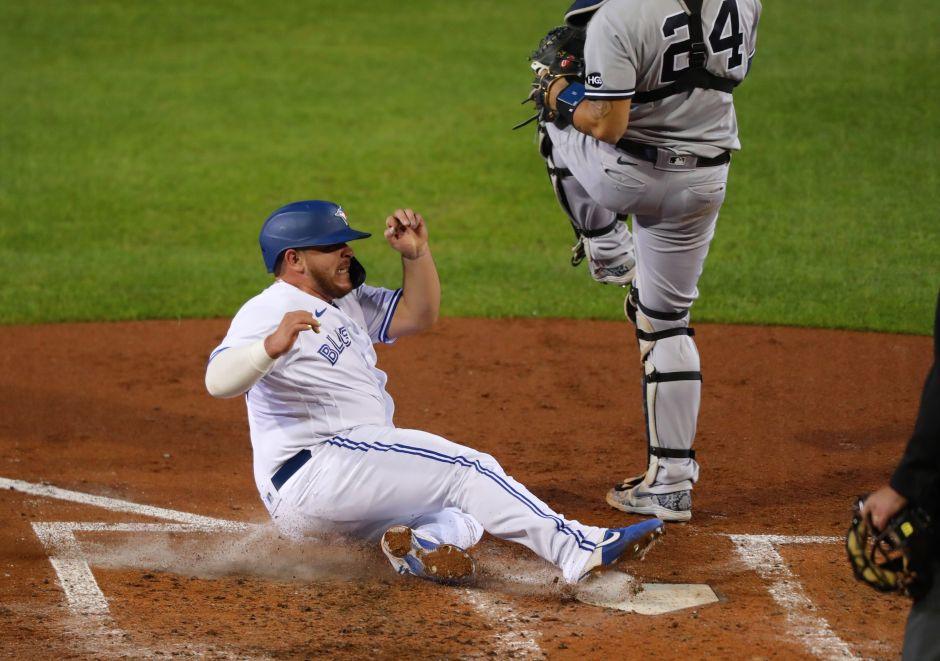 Alejandro Kirk es bajito y robusto, pero el pelotero mexicano destruyó a los Yankees