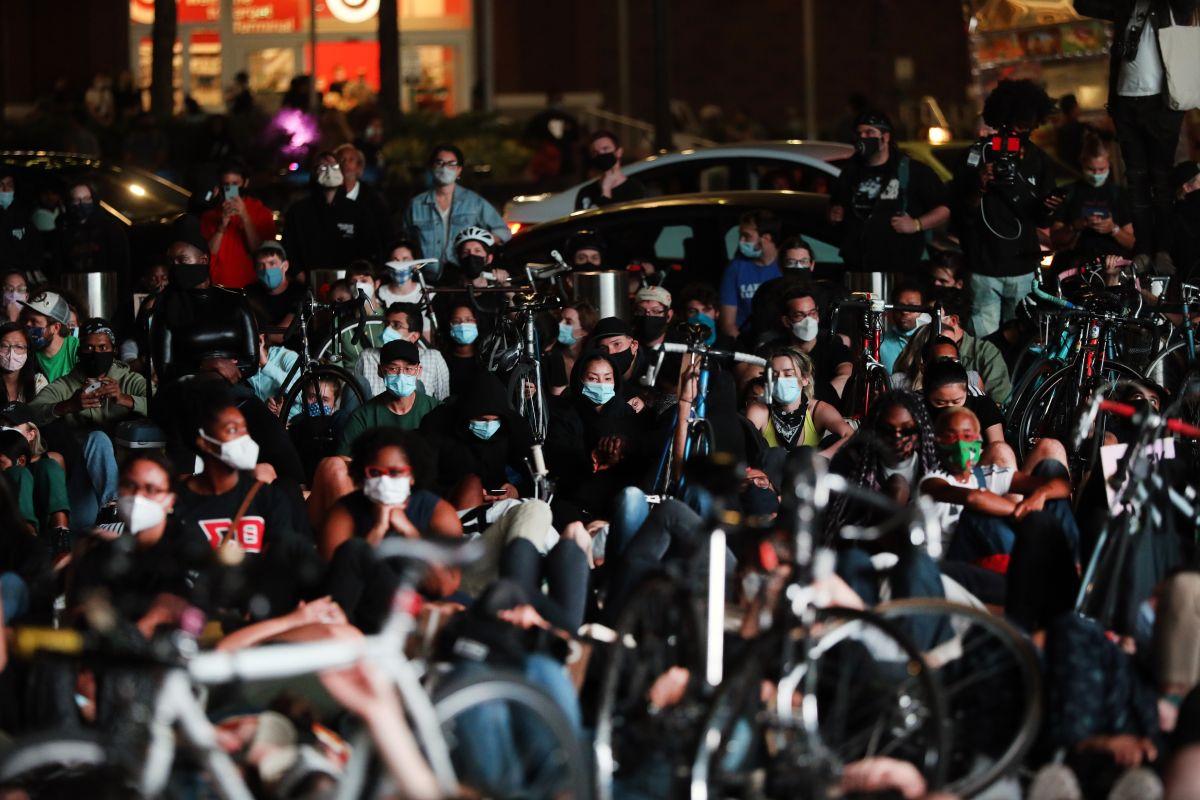 Manifestantes protestan por la decisión en el caso de Breonna Taylor en Nueva York.