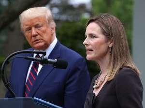 La jueza Amy Coney Barrett avanza hacia su confirmación en el Tribunal Supremo