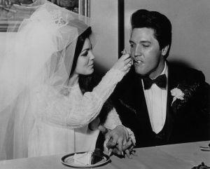 Venden la última mansión en la que vivieron Elvis y Priscilla Presley antes de su divorcio