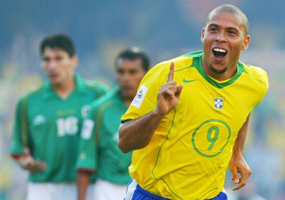 """""""Romario me pedía café y me daba sus zapatos para limpiarlos"""": Ronaldo revela anécdota de sus inicios"""
