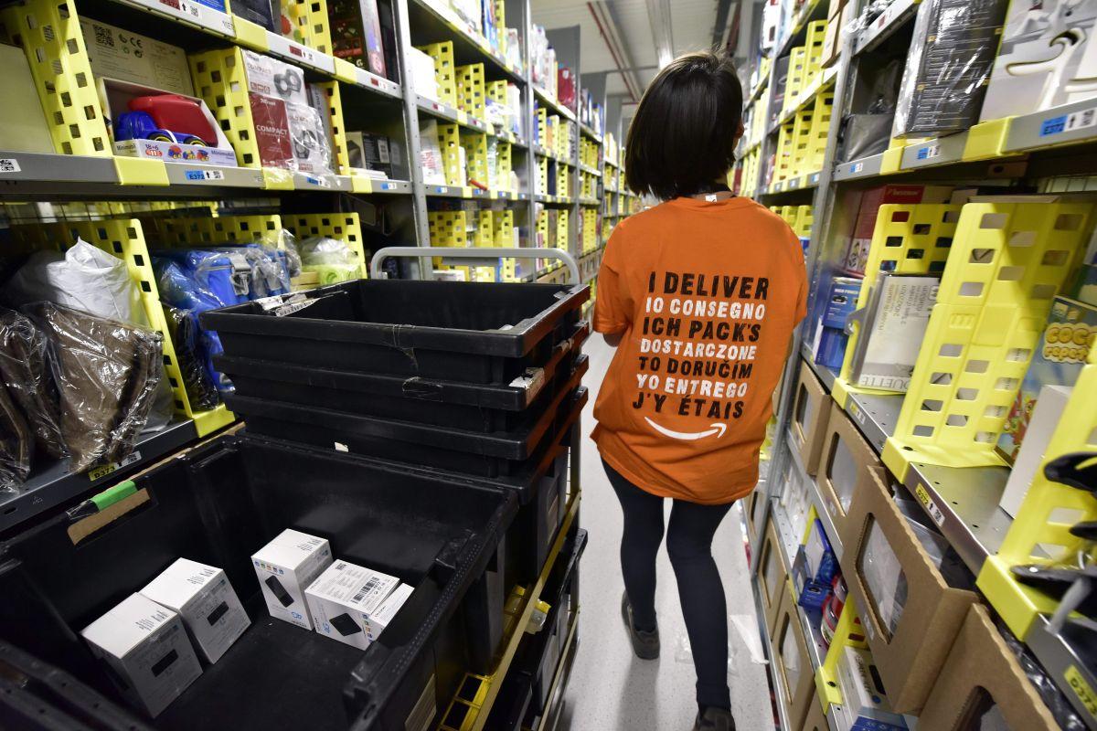 Las ventas minoristas se estancaron en abril con el cese de los cheques de estímulo, pero se espera una reactivación con la apertura de la economía