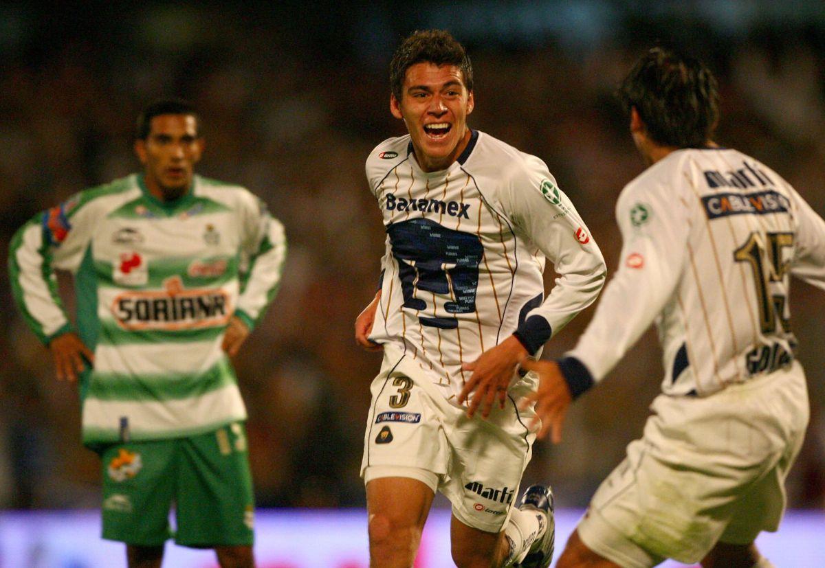 Moreno debutó en Pumas a los 18 años de edad.