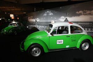 """Una """"mexicanísima"""" exposición de Volkswagen en Alemania muestra la importancia cultural del """"Vocho"""" para el país latinoamericano"""