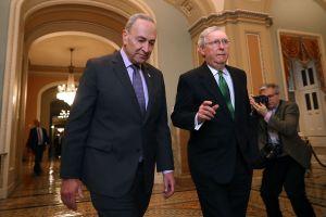 Los republicanos agotan posibilidades de frenar el cada vez más popular plan de estímulo de Biden