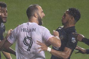 Higuaín falla penal en su debut en la MLS y se burlan en su cara