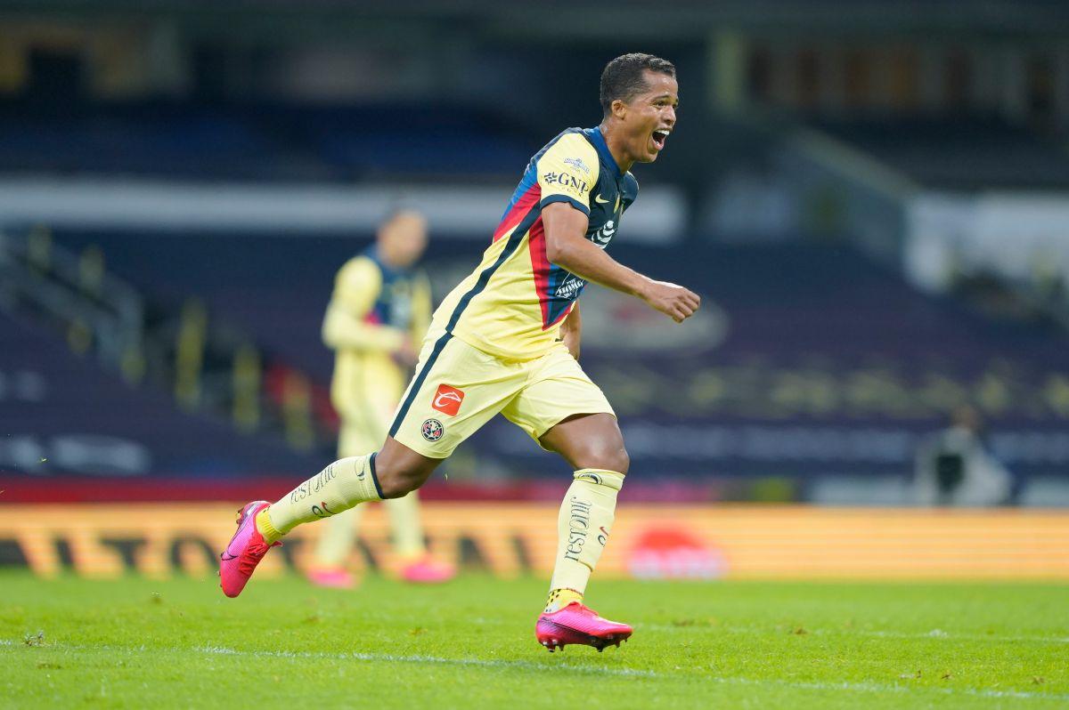 Giovani dos Santos gritó con todo su gol.