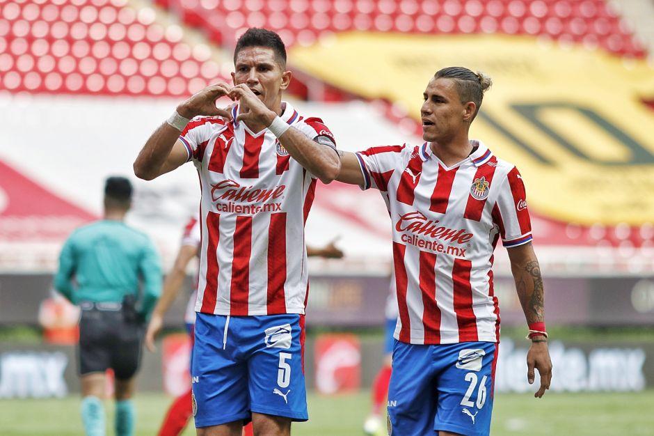 Apareció el ChiVAR: Chivas le ganó a Mazatlán con polémica arbitral