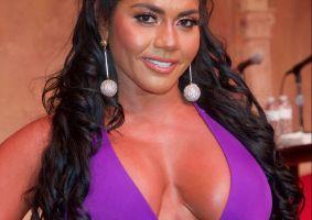 Maripily se desata y publica varias fotos mostrando casi todos sus senos
