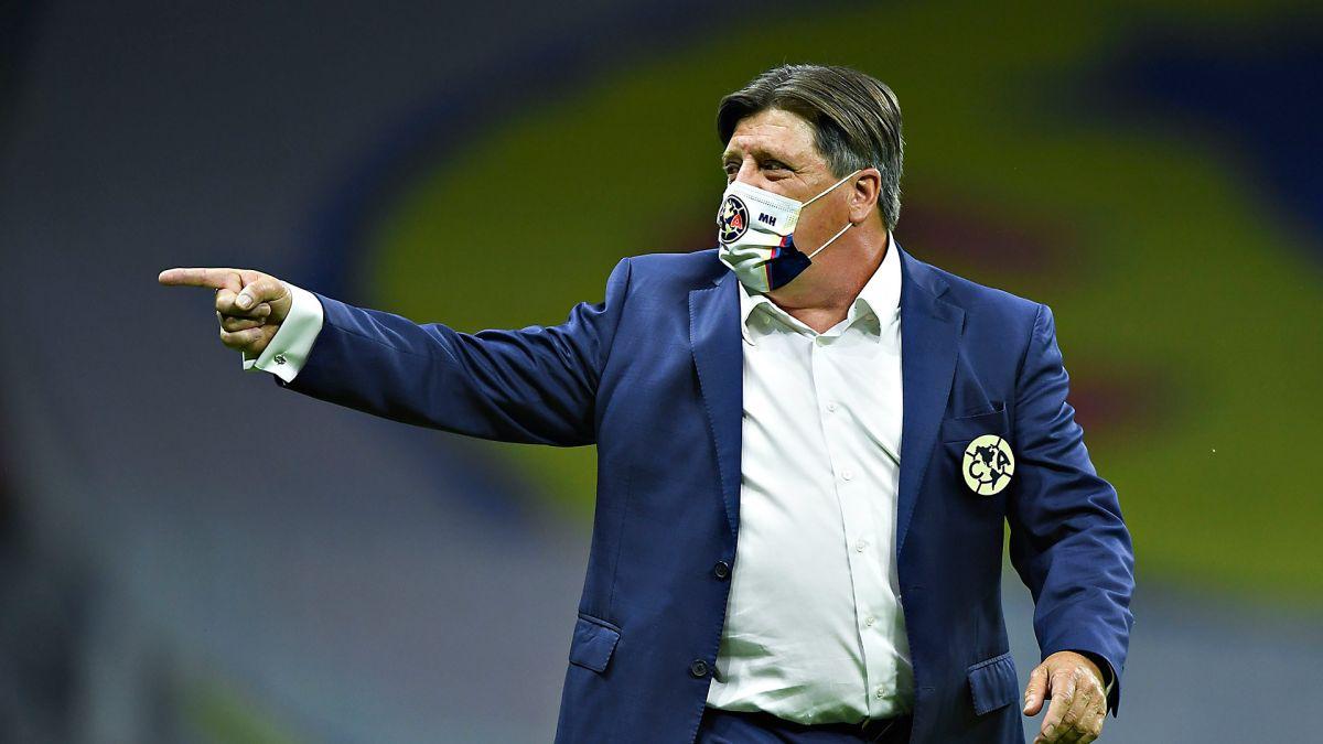 Miguel Herrera prohíbe que sus jugadores tengan coaches personales
