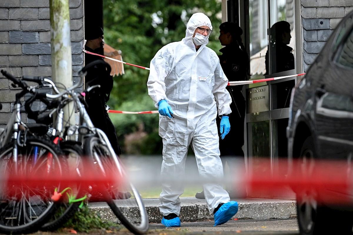 Mujer mata a sus 5 hijitos y luego trata de suicidarse en vías de tren en Alemania