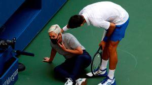 Djokovic se disculpa tras golpear a jueza en el US Open