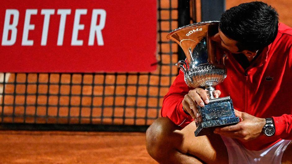 """Djokovic gana en Roma y asegura que va por el récord de """"Grand Slams"""""""