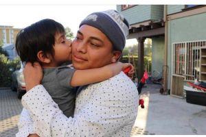 Padre e hijo que pierden todo en incendio reciben generosos donativos