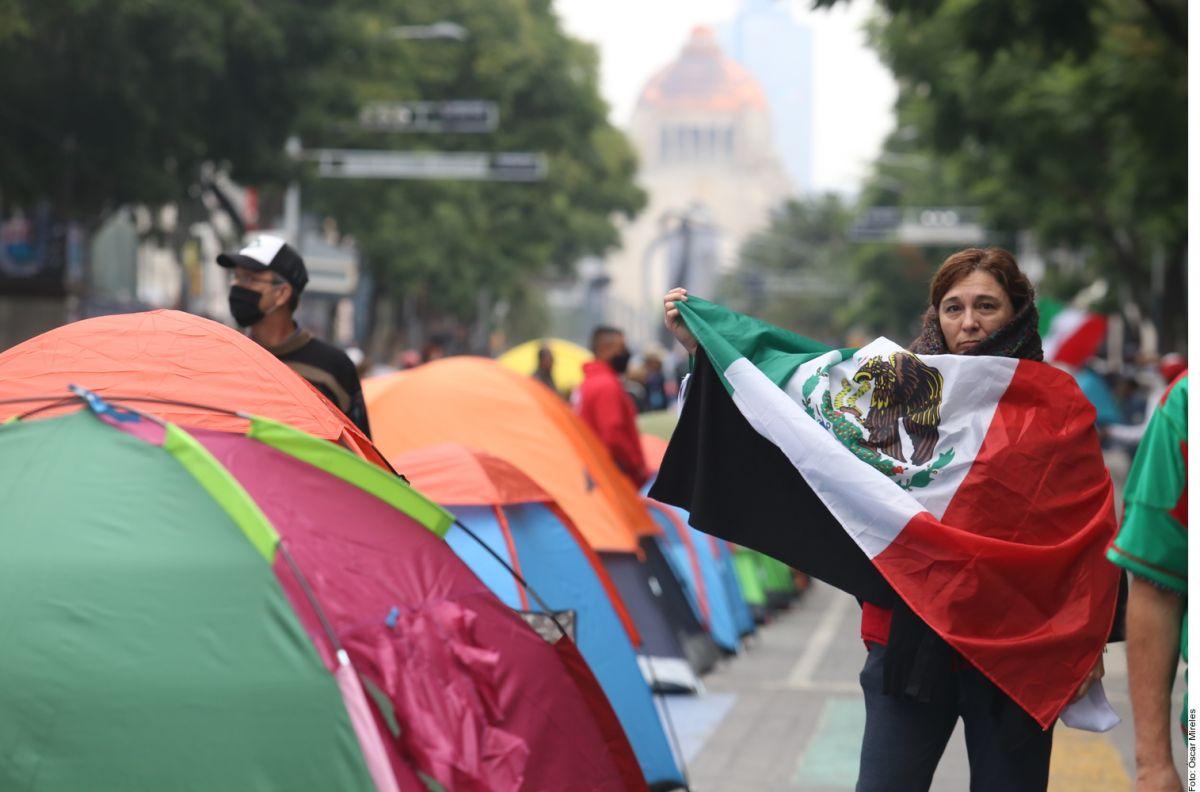 Plantón contra López Obrador.