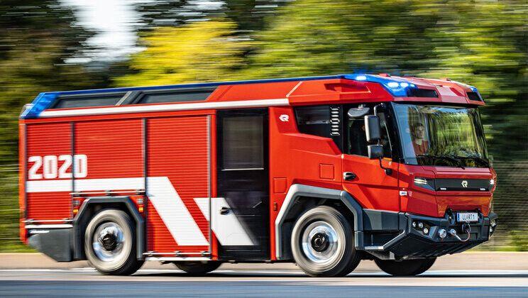 Este es el camión de bomberos eléctrico que atenderá emergencias en Europa