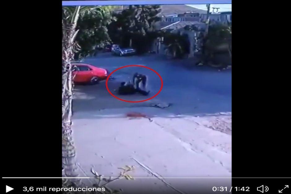 """VIDEO: Sujeto mata a indefenso anciano a palazos porque """"le ganó unos botes"""""""