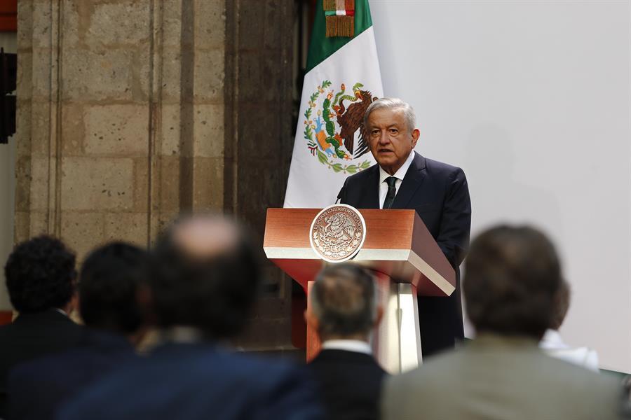 AMLO destaca combate a la corrupción, dice que México ha ahorrado $25,800 millones de dólares