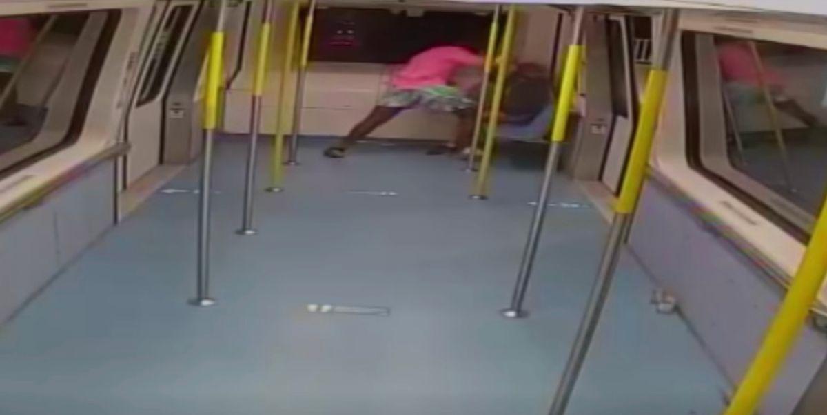Brutal agresión a una mujer colombiana mientras viajaba sola en el vagón del metro de Miami