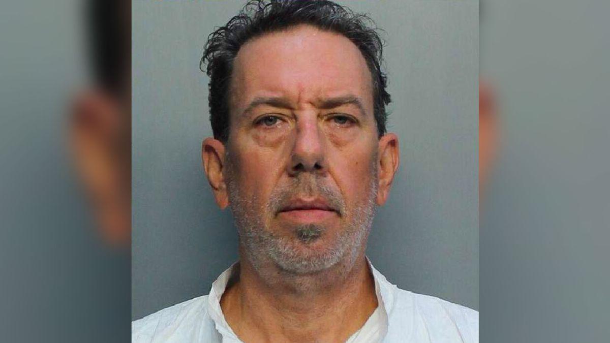 Un hombre del sur de Florida mata a su esposa con una espada