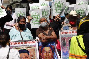 """""""Hay luces sobre lo verdaderamente ocurrido en Ayotzinapa"""", afirma funcionaria de AMLO"""