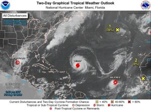Beta, Wildred y Teddy, dos tormentas y un huracán amenazan EEUU