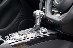 5 consejos para mantener en buen estado la caja de cambios de un auto automático