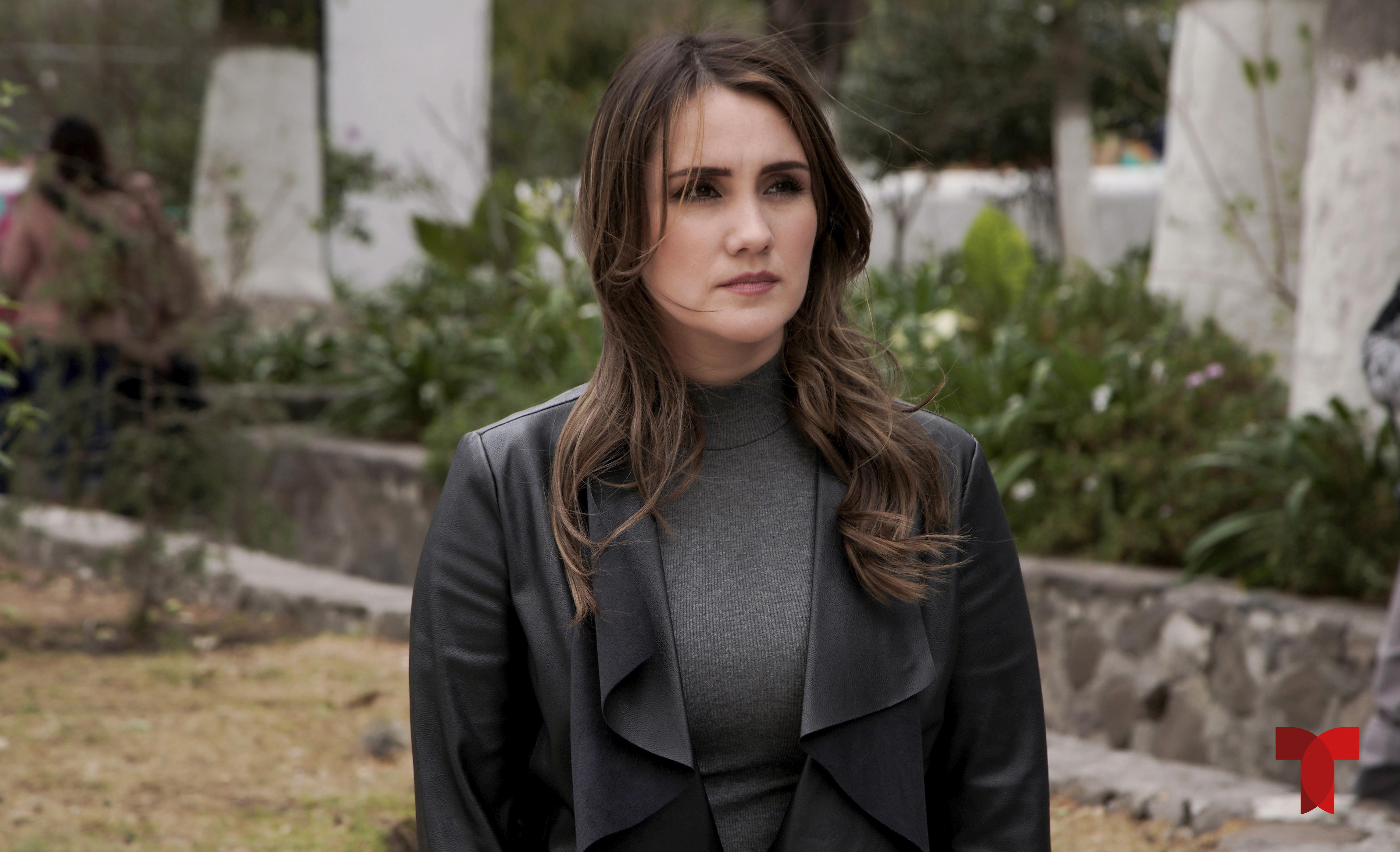 Dulce María es Victoria Lamas en 'Falsa Identidad'.