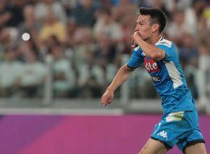 """Lo hizo otra vez: """"Chucky"""" Lozano fue titular en amistoso del Napoli; destacan su chilena"""
