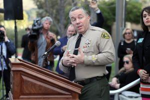 Al Sheriff de LA, Alex Villanueva: Le pedimos que no le falle a la comunidad latina