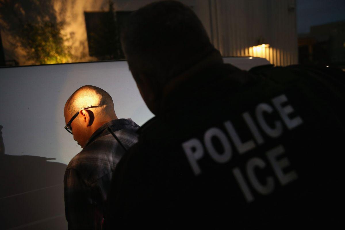 ICE detuvo a más de 180 inmigrantes en una semana.